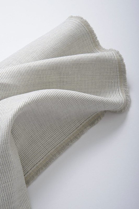 madrigal / 2040-02 / gray pearl